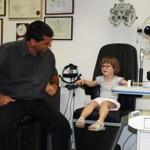 בדיקת ראייה אצל רופא עיניים ילדים - פרופ' מורד יאיר