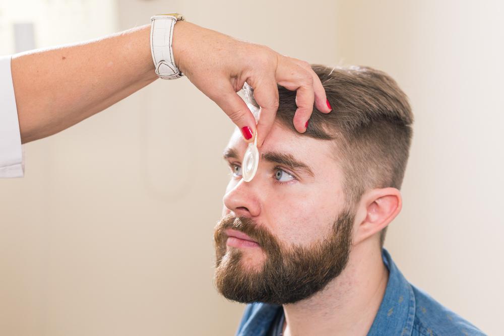 בדיקות עיניים שגרתיות